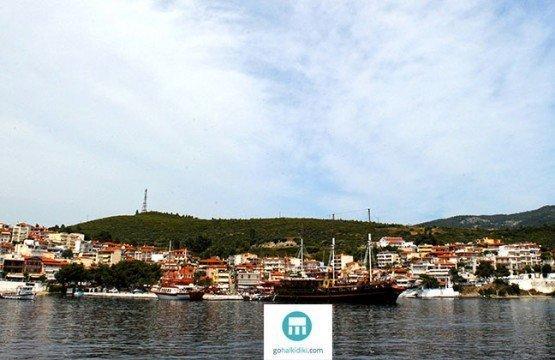 5 Reasons Why You Should Visit Neos Marmaras, Sithonia